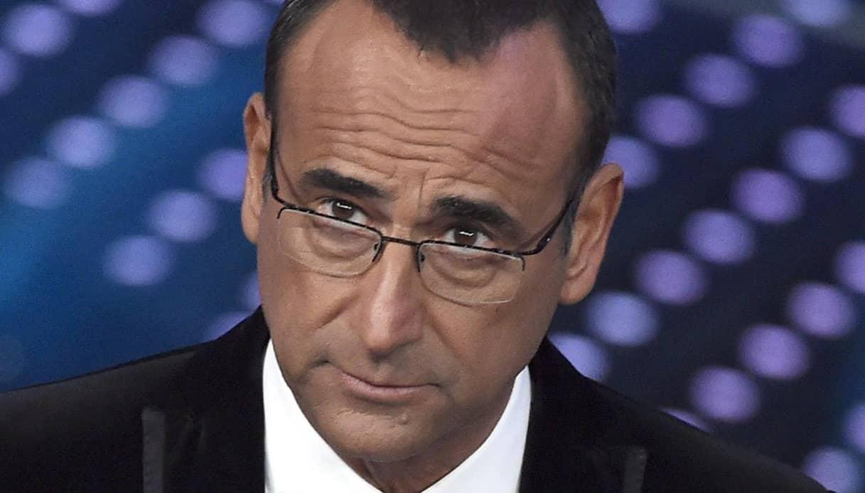 """Top 10, Carlo Conti in grande imbarazzo """"evitiamo di …"""" e Loretta Goggi non parla più"""