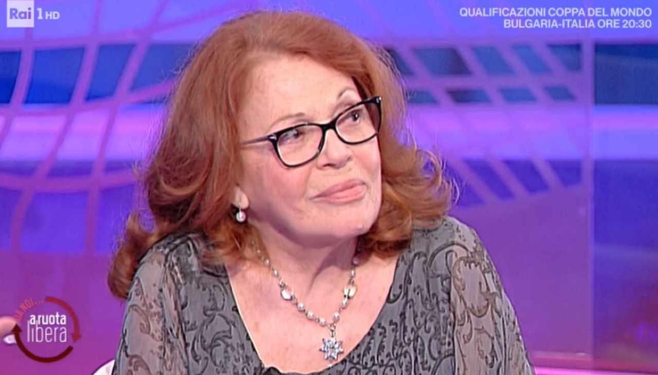 """Valeria Fabrizi nella bufera, i social le si rivoltano contro e lei dice """"quanta sofferenza …"""""""