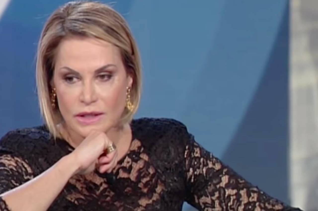 """""""Oggi è un altro giorno"""", Simona Ventura, a proposito dell'ex Bettarini dice  """"Quando penso a lui …"""""""