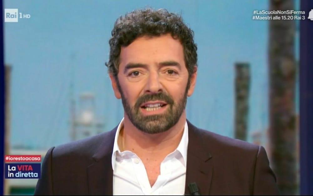 """La vita in diretta, Alberto Matano duro con l'ospite in studio """"Non tornare…"""", cala il gelo"""