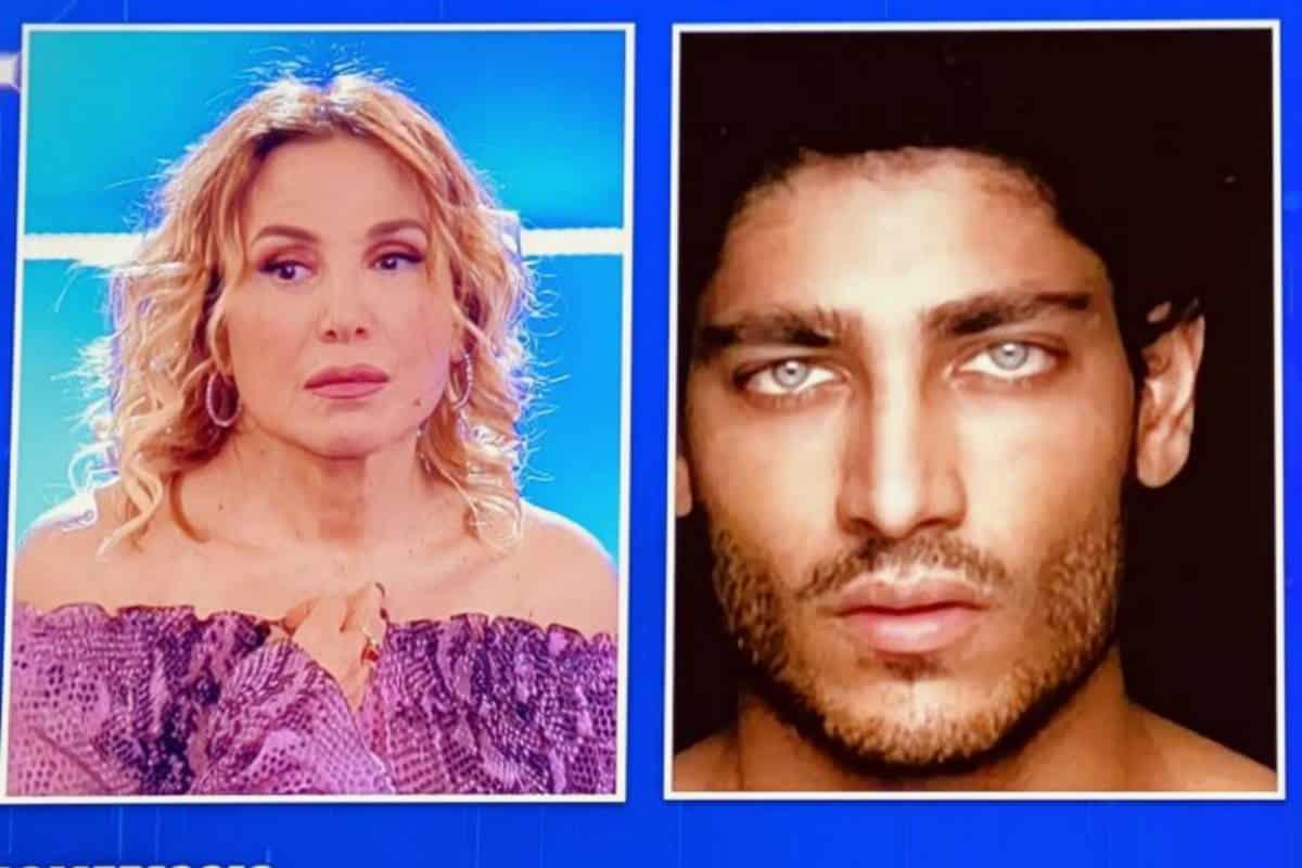 """Domenica Live, Barbara D'Urso durissima con Akash Kumar """"Tu ti arrabbi, io …"""", cala il gelo in studio"""