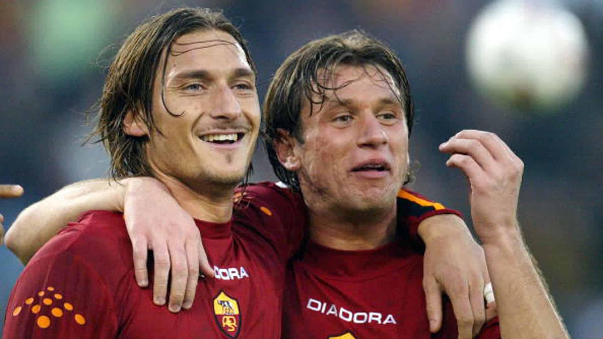 Francesco Totti la serie, Antonio Cassano la critica e Totti risponde con toni duri