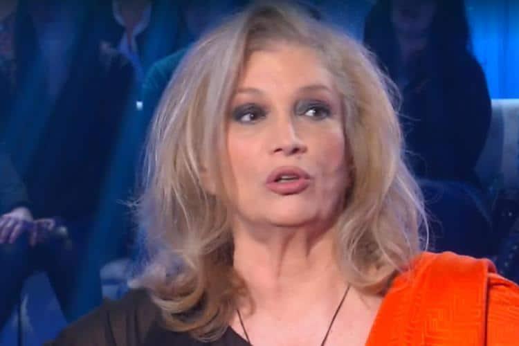 """Isola dei famosi, Iva Zanicchi una furia contro Daniela Martani che dice: """"Devo essere …"""