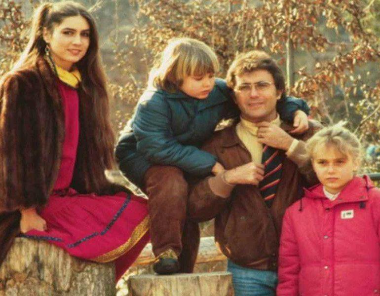 """Yari Carrisi scrive un post sui genitori: """"Mi trattavano …"""" e il web resta senza parole"""
