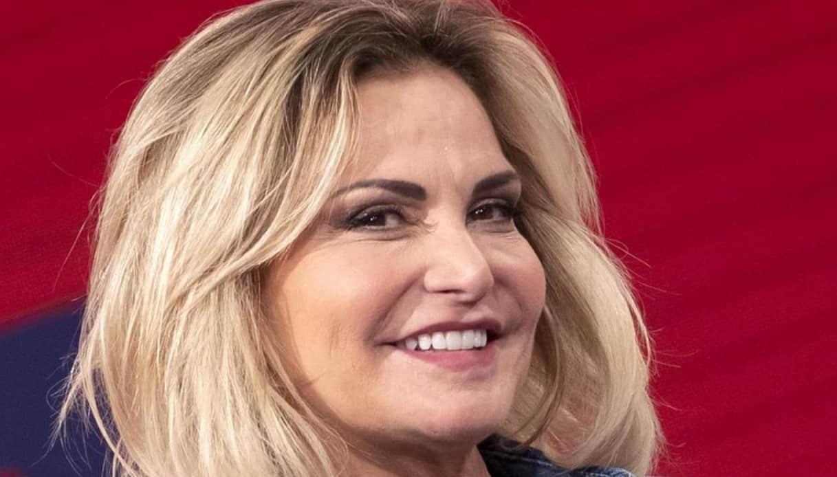 """Simona Ventura dice cosa pensa esattamente di Paola Perego """"Lei è una …"""""""