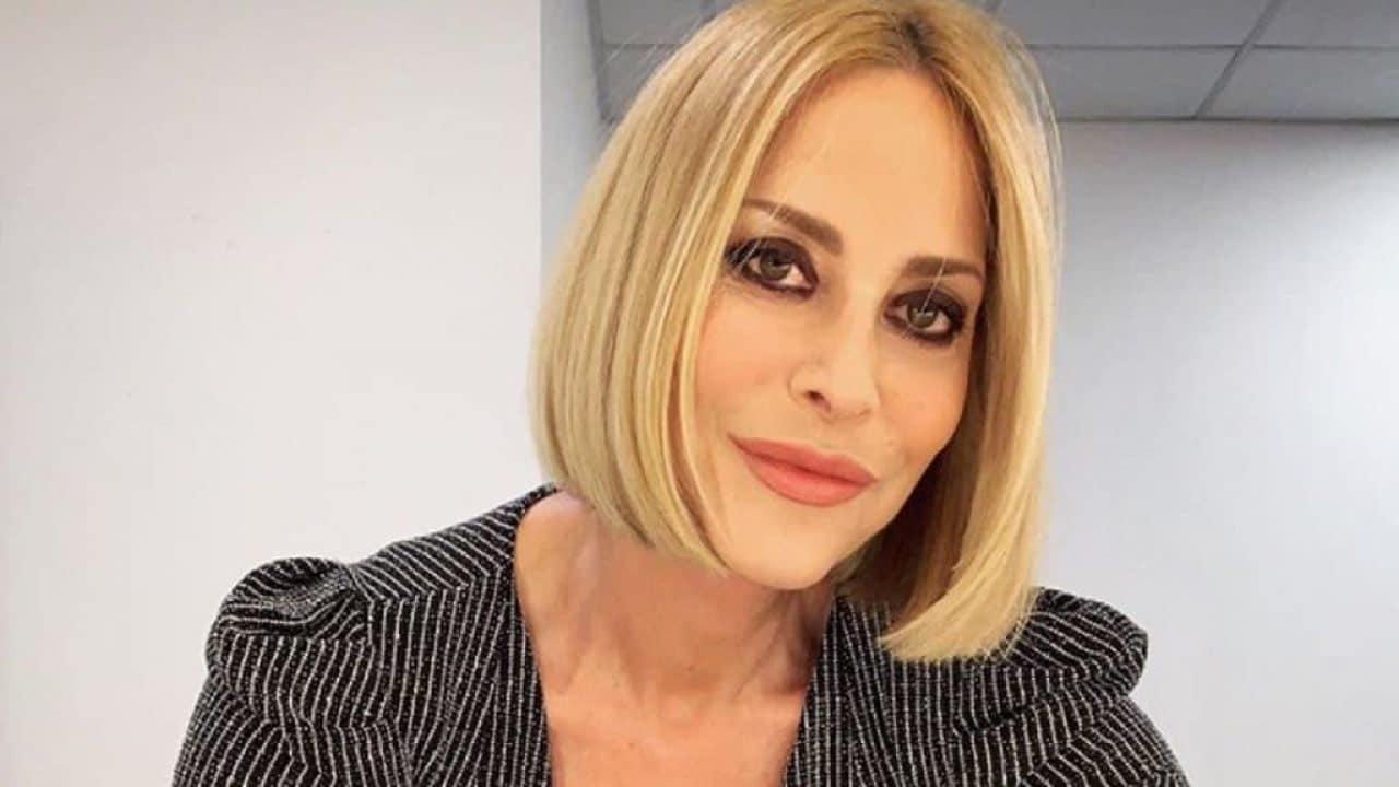 """Stefania Orlando a La vita in diretta  """"Mai potrei …"""", cala il gelo in studio"""