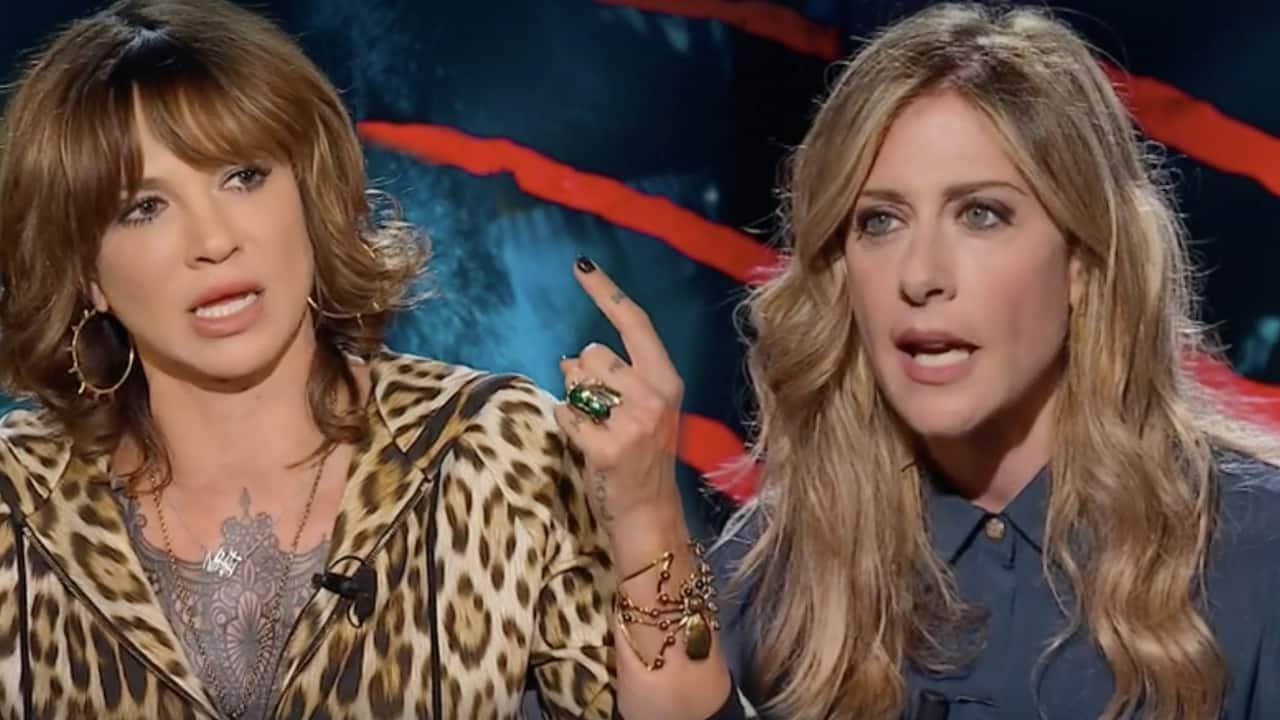 """Belve, Asia Argento a Francesca Fagnani """"quando parlo non mi interrompi, l'intervista diventa una violentissima rissa"""