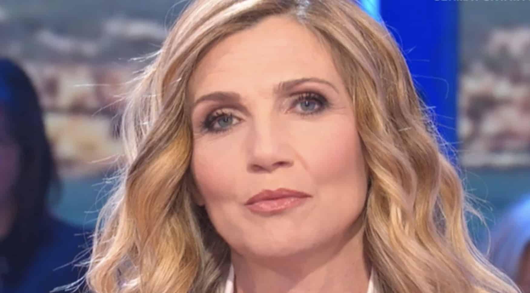 """Lorella Cuccarini, bomba di Dagospia """"si sente puzza di …"""""""