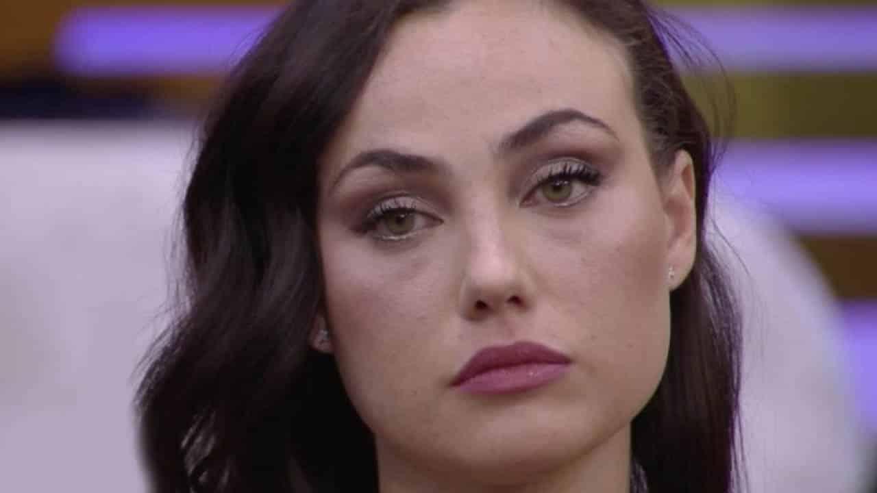 """Andrea Zenga beccato con un'altra donna e Rosalinda dice """" Non credo che chi è fidanzato …"""""""