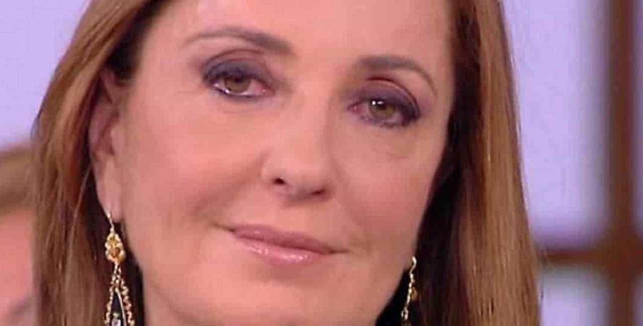 Stasera Italia, Barbara Palombelli crolla e piange in diretta, in studio nessuno parla più