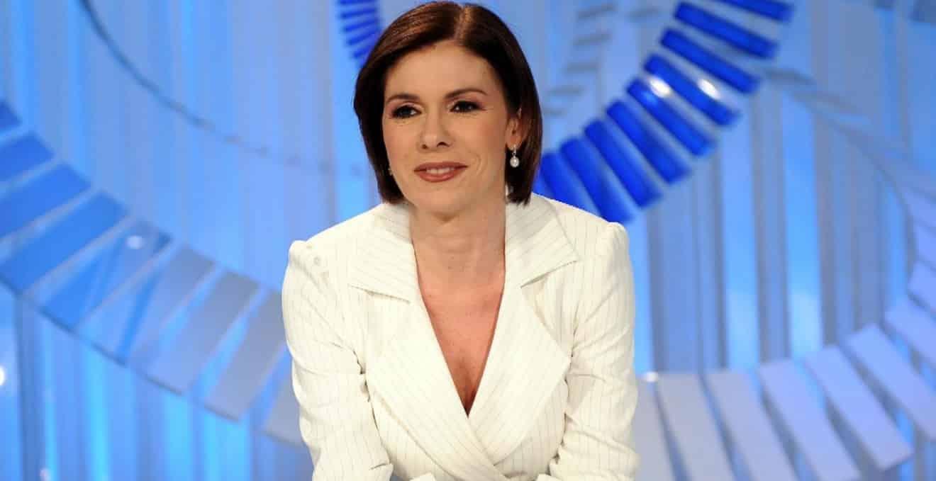 """Cartabianca, il ministro Speranza corregge Bianca Berlinguer che fuori di sé gli dice """"Io non ho detto …"""", gelo in studio"""