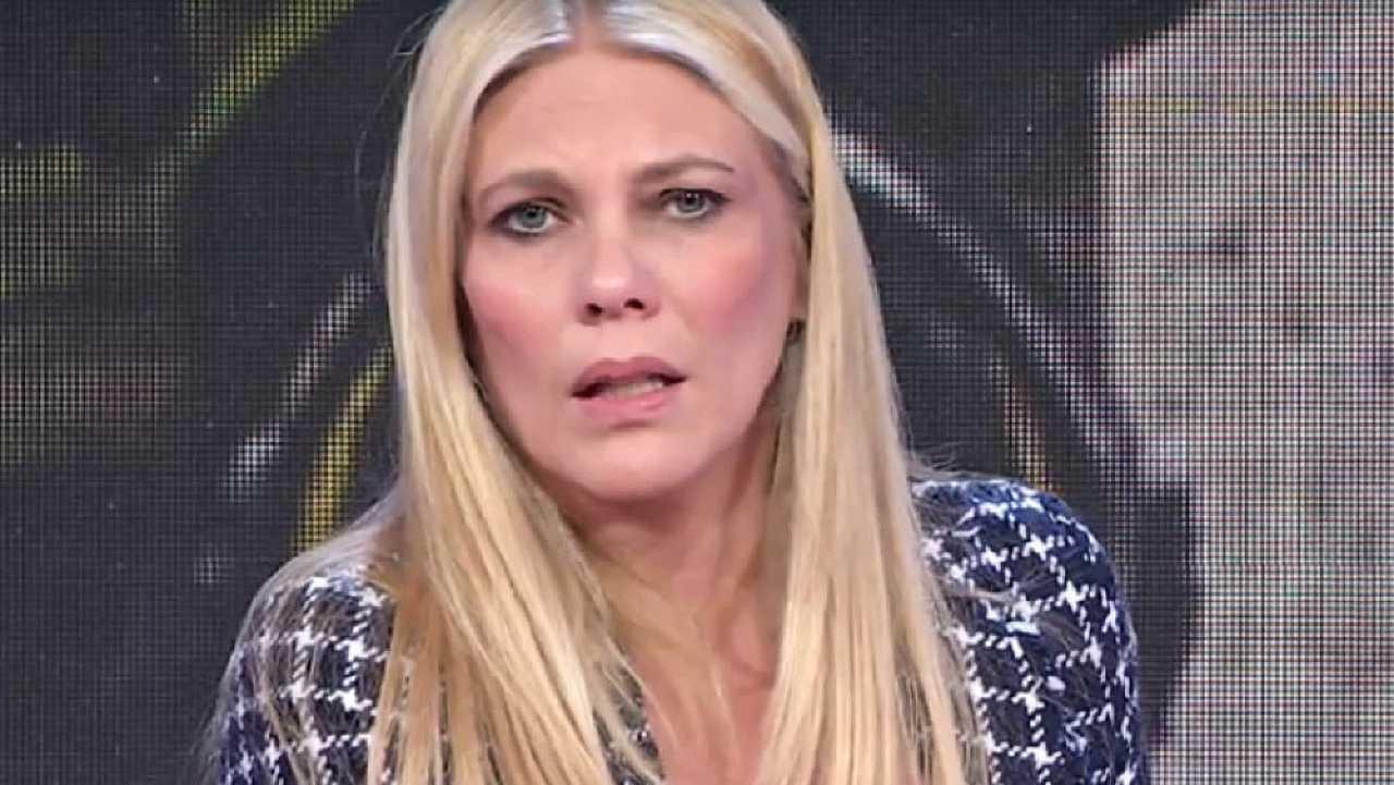 """Storie Italiane, Eleonora Daniele smentisce le voci sul suo addio alla tv e poi dice """"Ho scoperto di …"""""""