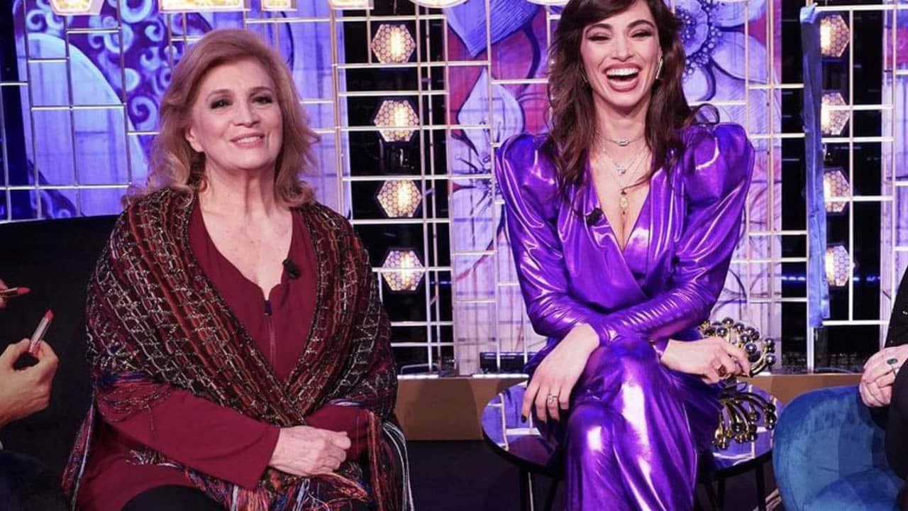 """Venus Club, Iva Zanicchi senza freni: """"Ho ricevuto un regalo e quando l'ho aperto …"""", Lorella Boccia in grande imbarazzo"""