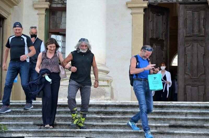 Bianca Berlinguer e Mauro Corona a braccetto e lui dice …