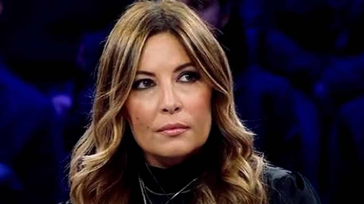 """Selvaggia Lucarelli furiosa al veleno contro Alfonso Signorini """"Mi raccomando …"""""""