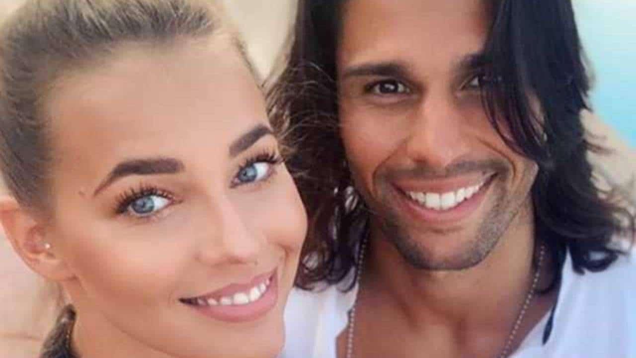 """Luca Onestini annuncia la fine della storia con Ivana Mrazova """"ci abbiamo provato e riprovato"""" e lei """"non è vero"""""""