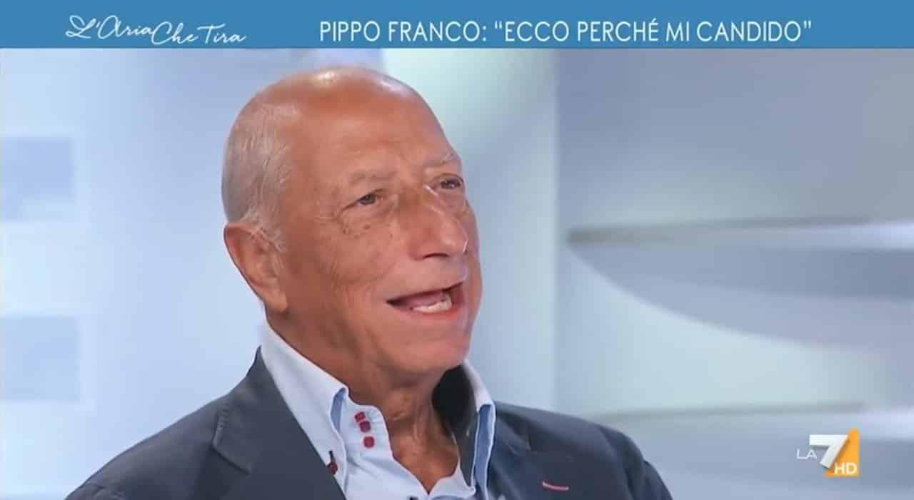 """L'Aria che tira, Myrta Merlino a Pippo Franco """"Ti sei vaccinato? """" e lui """"Non ti rispondo"""", cala il gelo"""