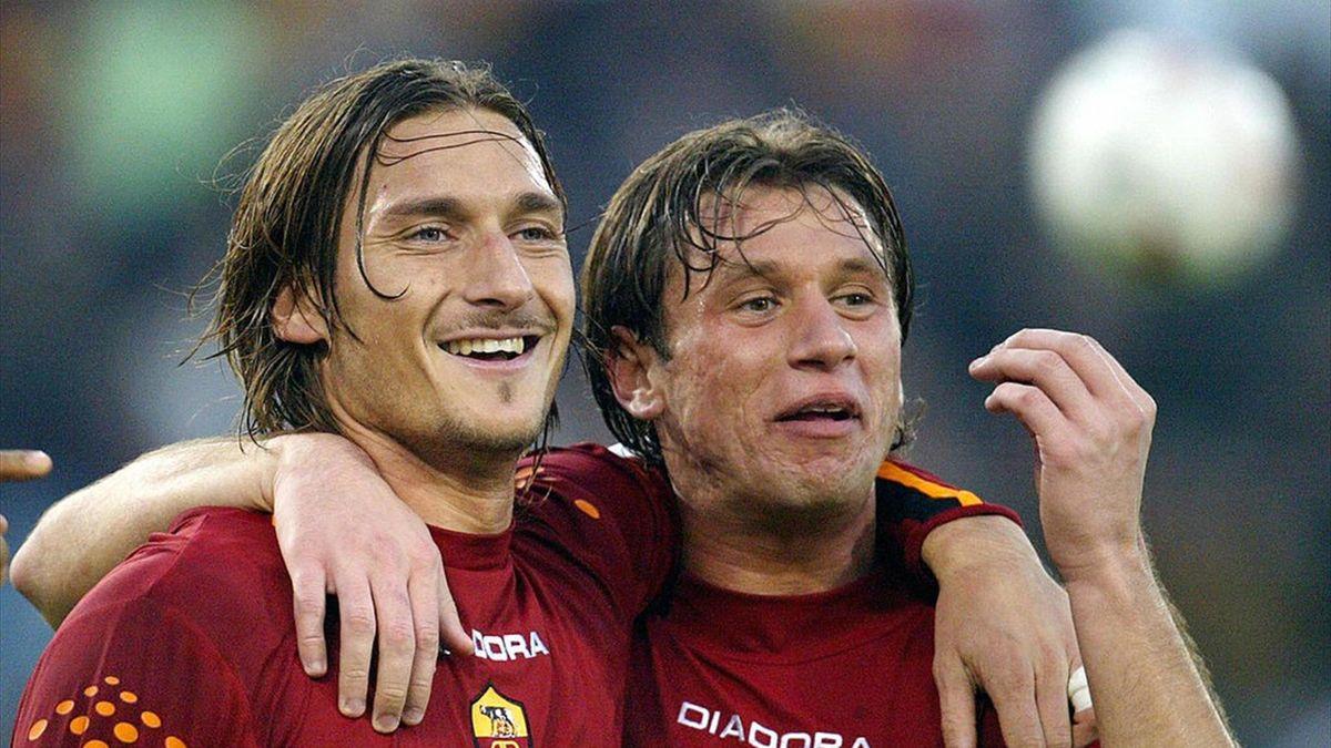 Antonio Cassano lancia una frecciata al veleno contro Totti e il web lo massacra